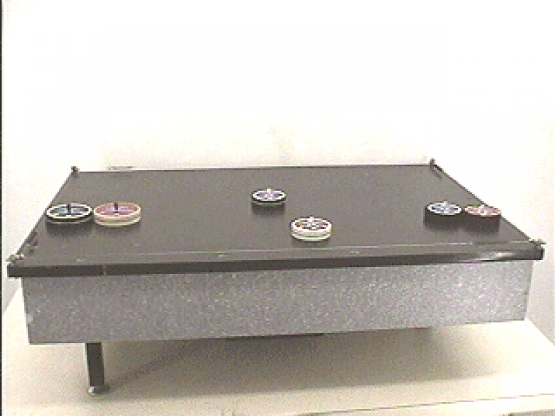 C7-43: AIR TABLE - SMALL - COLLISIONS OF PUCKS
