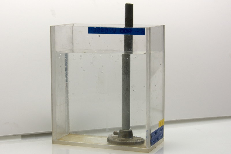 L4-03 REFRACTION - ROD IN WATER