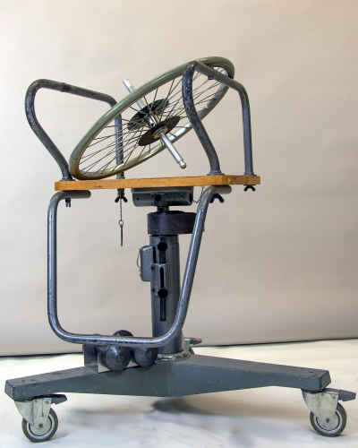 D3-05 ROTATING CHAIR AND BICYCLE WHEEL