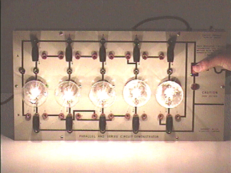 K6-02: SERIES AND PARALLEL LIGHTS - FIVE BULBS