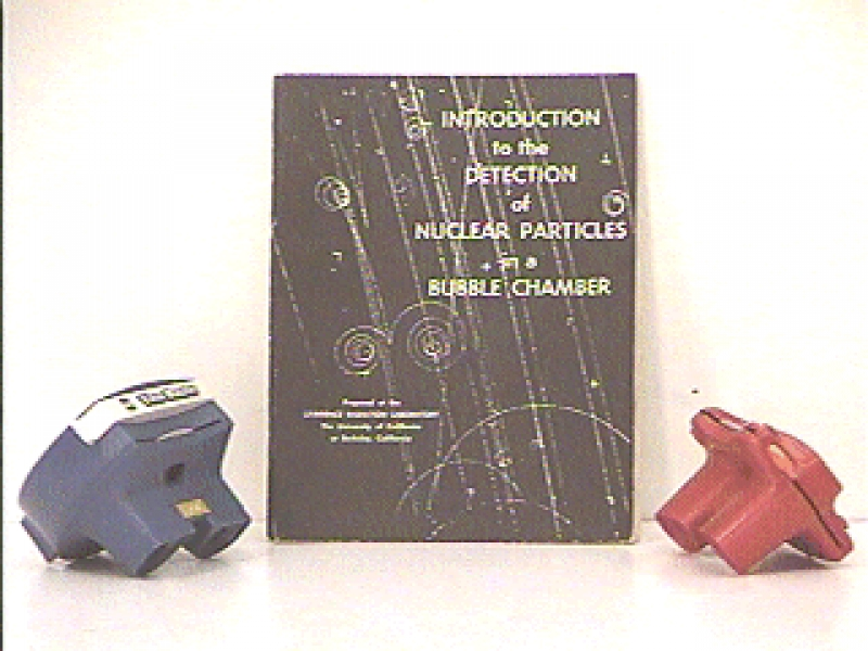 P4-33: BUBBLE CHAMBER TRACKS - THREE DIMENSIONAL VIEWMASTER