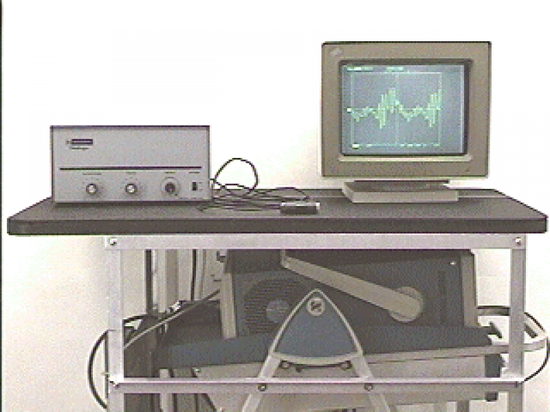 H1-11: MICROPHONE AND OSCILLOSCOPE