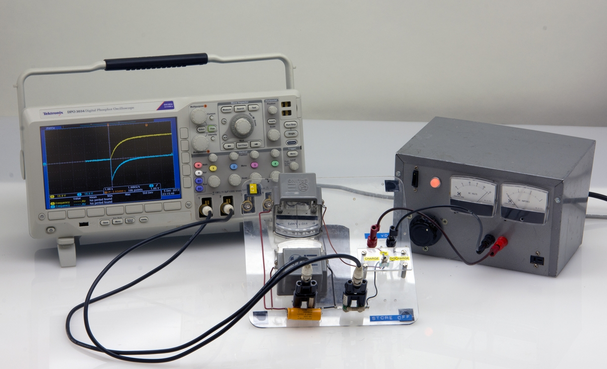 K7-11 RC CIRCUIT - RC TIME CONSTANT - OSCILLOSCOPE